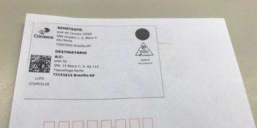 Correios; envelope com QR code